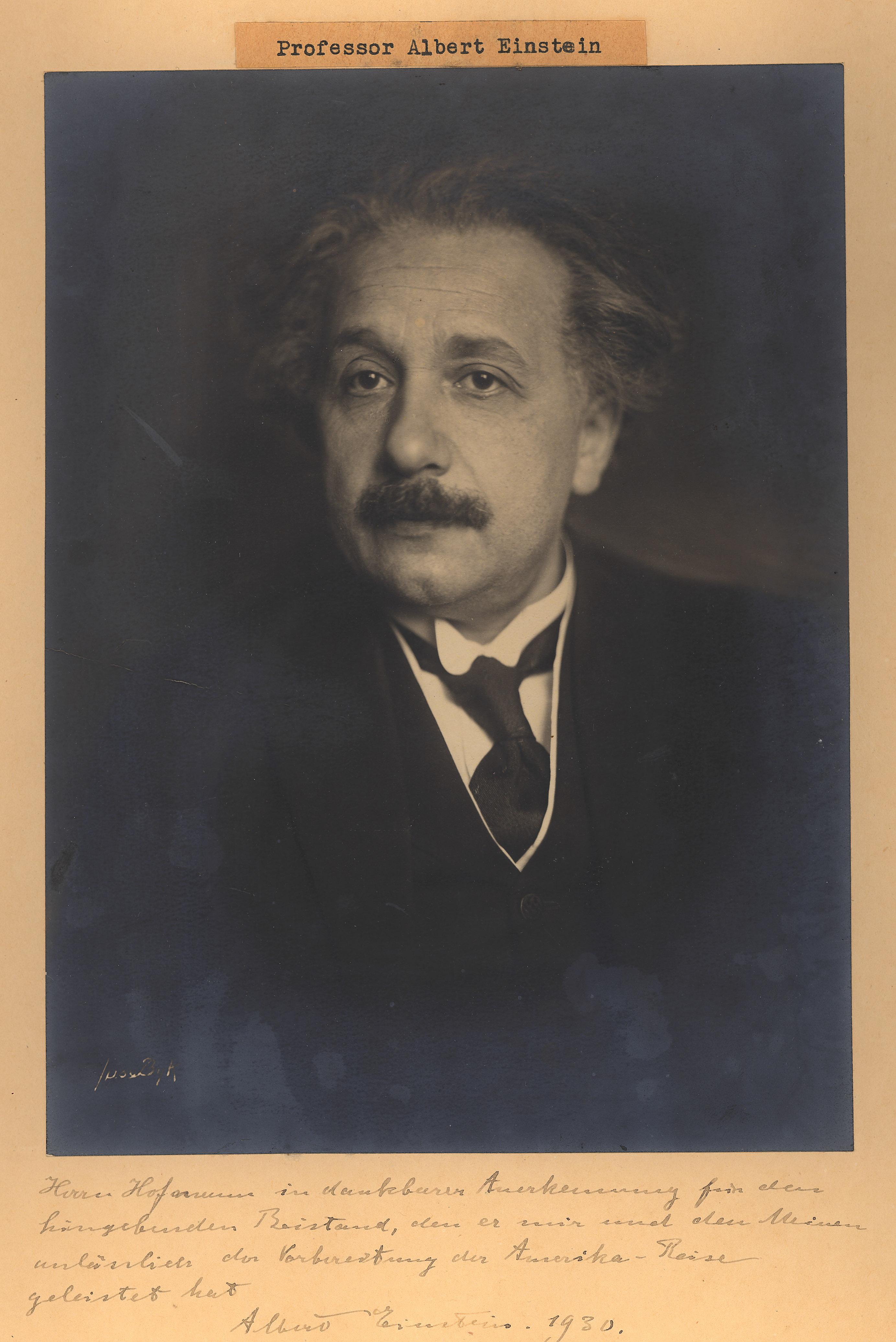 Portrait of Albert Einstein,  Image number:SIL14-E1-05a