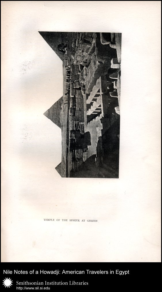 Photograph of the pyramids (after p. 42),  Image number:sil28-52-05