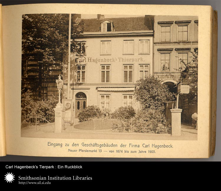 Photograph of front gate at Carl Hagenbeck's Tierpark,  Image number:sil24-047-02